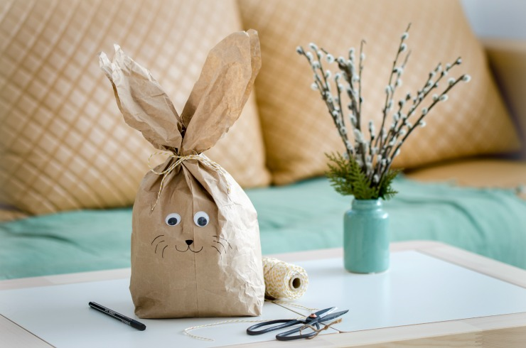 einen osterhase aus papier basteln mit den frechen freunden gr nspross. Black Bedroom Furniture Sets. Home Design Ideas